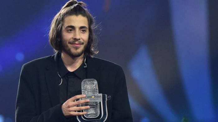 Gagnant de l'Eurovision 2017 hospitalisé d'urgence