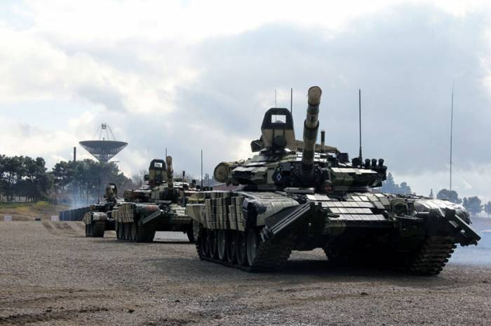 Orduda döyüş hazırlığı üzrə məşqlər keçirilib - FOTOLAR