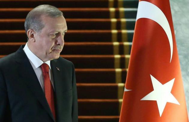 """Turquie: Erdogan dénonce comme une """"trahison"""" la revendication autonomiste du parti kurde"""