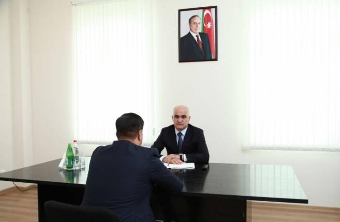 Şahin Mustafayev vətəndaşları qəbul edib