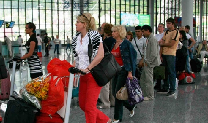 Xaricə gedən turistlərin sayı azalır
