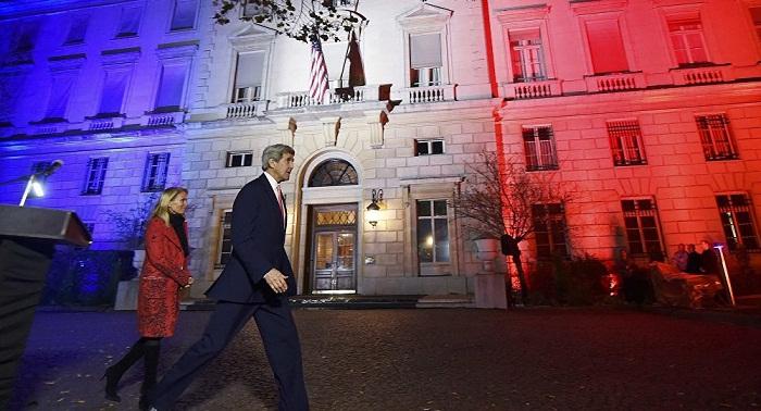 John Kerry à Paris: Nous vaincrons Daech, ensemble