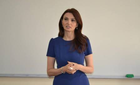 """""""Mehriban xanım dedi ki,..."""" Deputatdan Xanım Qafarovanın ailəsinə"""