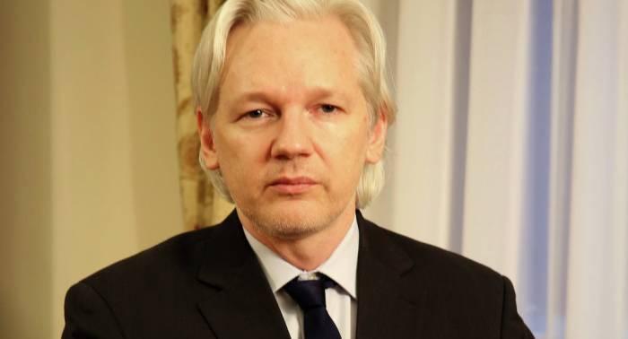 Scotland Yard reafirma su obligación de detener a Assange en Londres