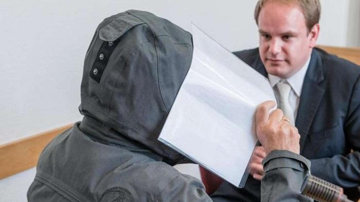 Bewährungsstrafe für heimlich filmenden Arzt