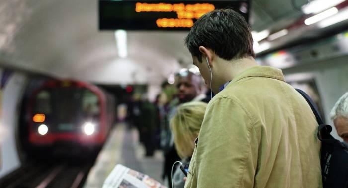 Cierran una estación del metro londinense por un incendio