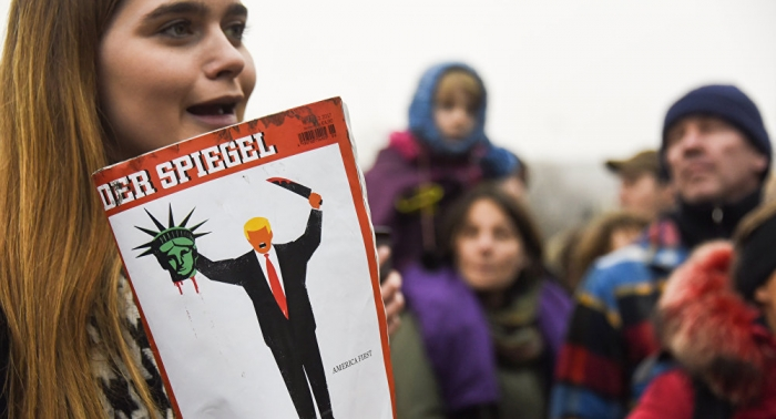 Thousands of protesters rally in Berlin over Trump Jerusalem move - VIDEO