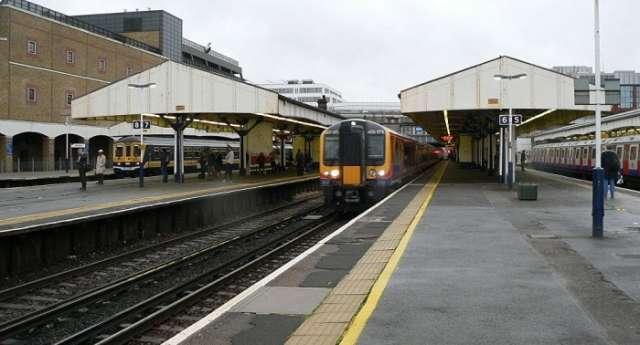 Train derailment near Wimbledon station causes London tube delays