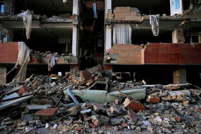 Iran : Rohani promet une reconstruction rapide après le séisme