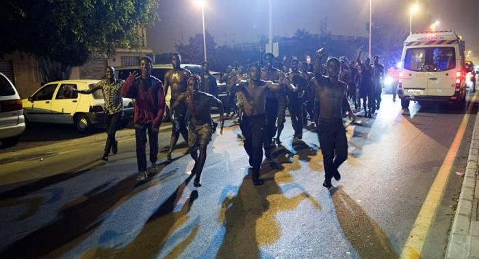 Cerca de 200 inmigrantes entran en España por un paso fronterizo con Marruecos