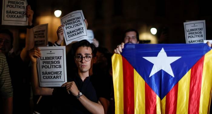 Convocan concentraciones por encarcelación de líderes independentistas catalanes