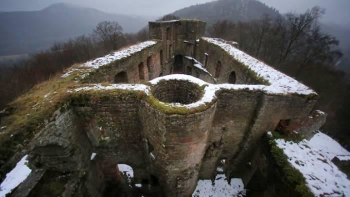 Wie viele Burgen stehen in Deutschland?
