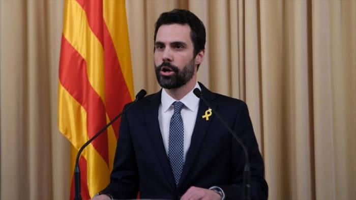 Jefe del parlament designa a Puigdemont para presidir Cataluña