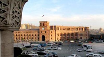 Ermənistan MTN maşınlarını satır