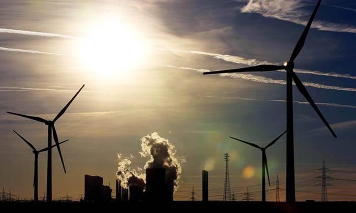 Nuclear Power vs. Renewable Energy - STUDY