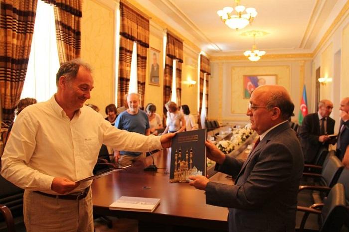 La Communauté juive de France conduite par Valiské reçu par Mubariz Gourbanly, Chef du Comité d`Etat  - PHOTOS
