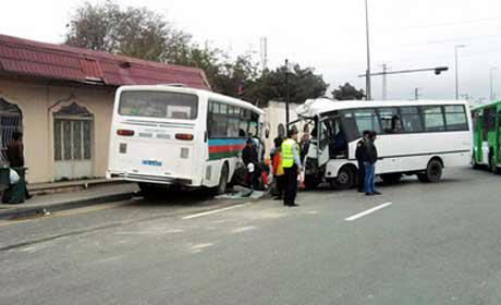 Bakıda 2 marşrut toqquşdu,17 nəfər yaralandı- VİDEO