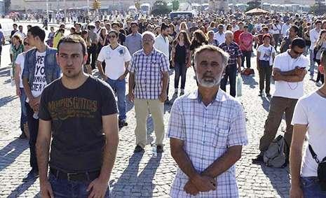 Taksim etirazçıları dondular