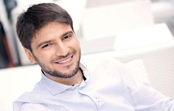 Sami Yusuf İranda qadağan edildi