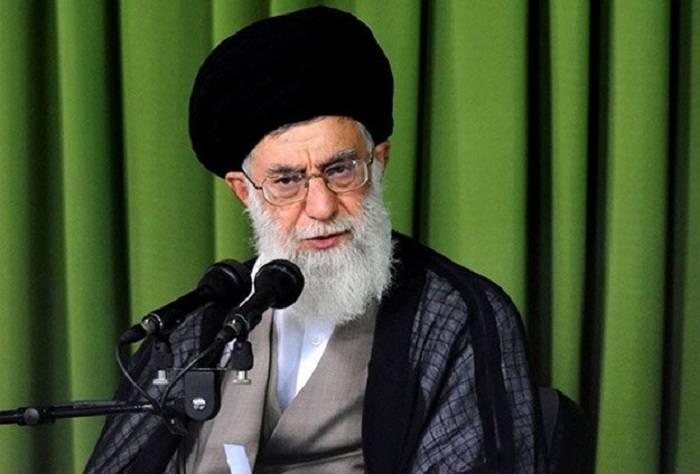 Əli Xameneyi İran xalqına müraciət edib