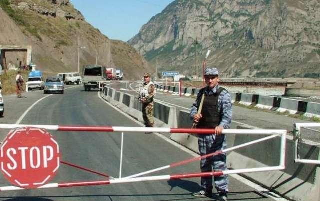 Zugangsverbot für 4000 Menschen aus dem Land Aserbaidschan