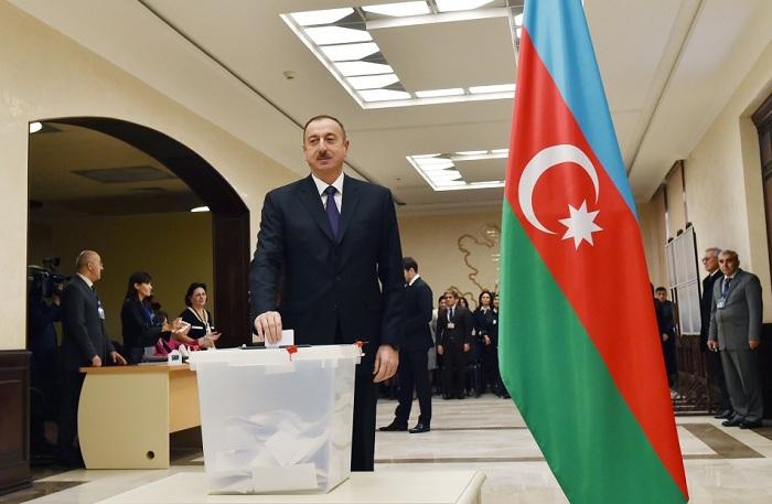 Prezident sərəncam imzaladı: Referendum sentyabrda keçiriləcək