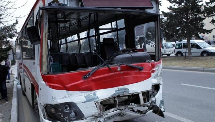 Bakıda daha bir avtobus qəzası
