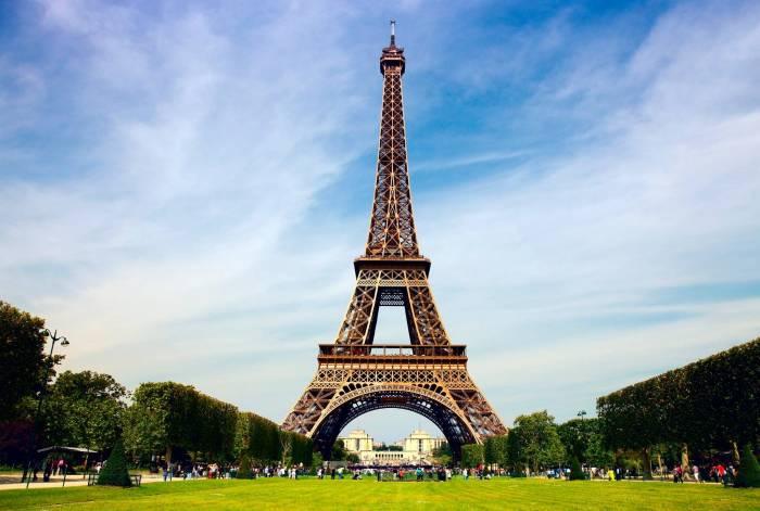 Tempête Eleanor en France: la tour Eiffel fermée