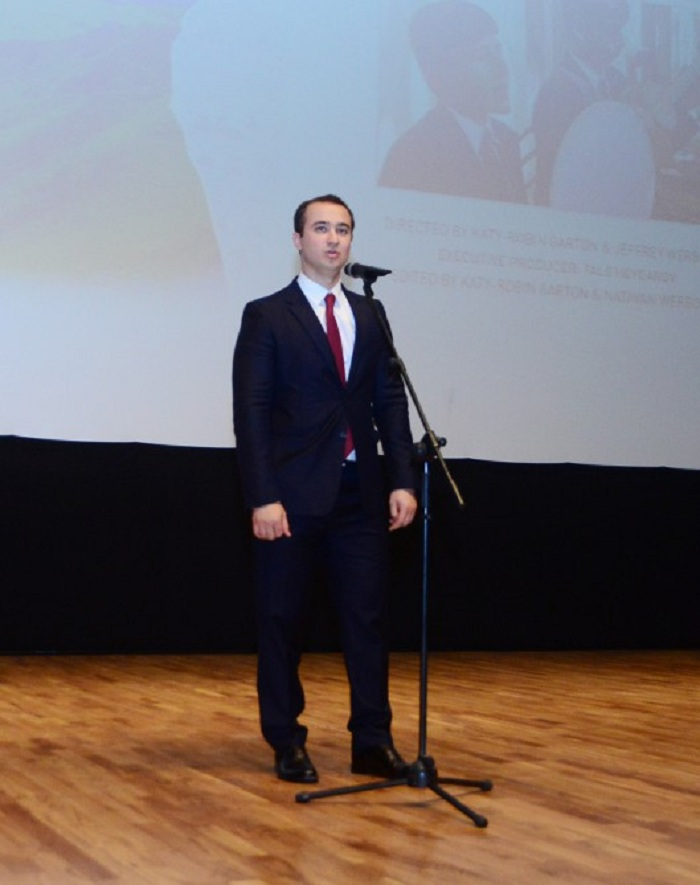 """Präsentation von Film """"Junge Stimmen, alte Melodie"""" in Baku"""
