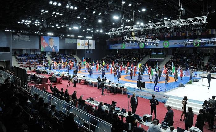 """Eröffnungsfeier der Finalrunde des internationalen Ringerturniers """"Golden Grand Prix"""" in Baku"""
