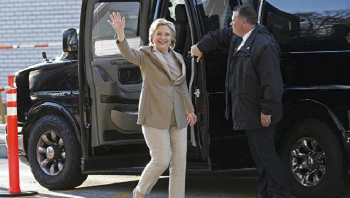 Bill və Hillari Klinton səs verdi