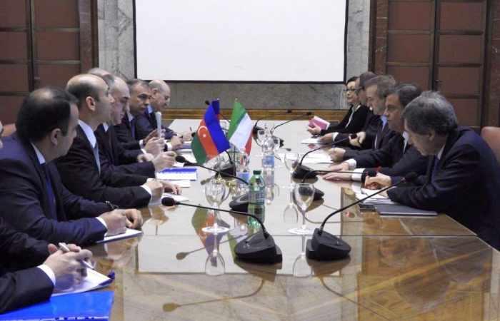 Minister Carlo Calenda: Aserbaidschan ist ein wichtiger Wirtschaftspartner für Italien