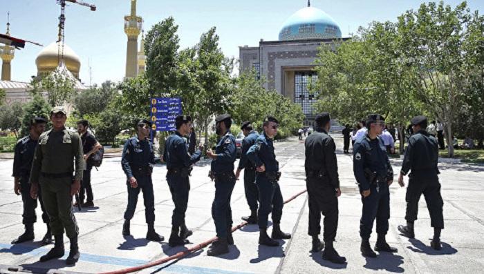 İranda Prezident Administrasiyasına hücum - Ölən var