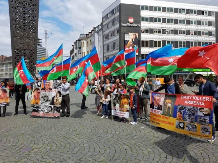 Protestaktion gegen armenische Provokation in Deutschland
