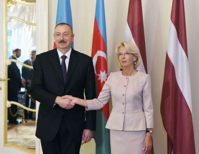 President Ilham Aliyev meets speaker of Latvian parliament - PHOTOS