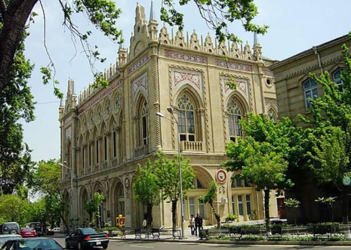 Internationale Konferenz über gemeinsame historische Epochen der türkischen Welt in Baku