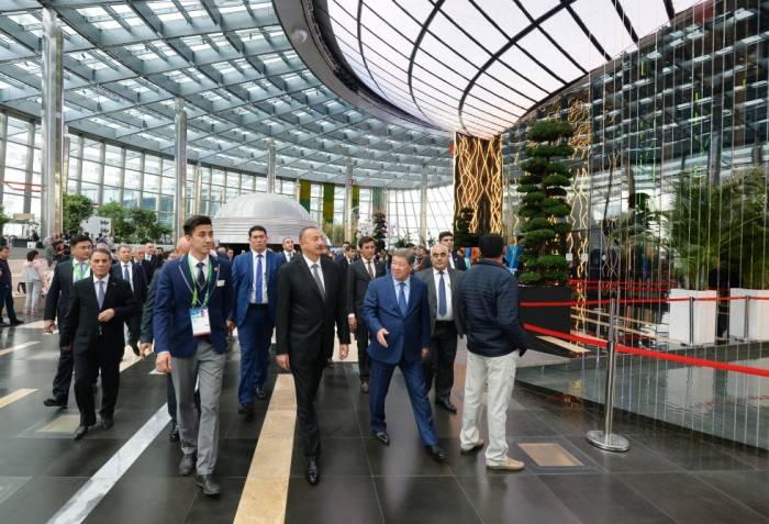 """EXPO 2017 Astana"""": Ilham Aliyev besucht aserbaidschanischen Pavillon"""