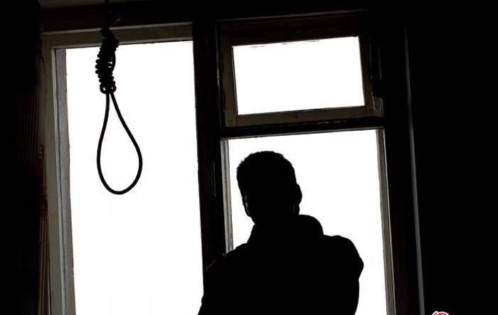 """12 yaşlı məktəblinin müəmmalı intiharı: """"Mavi balina"""", yoxsa din?"""
