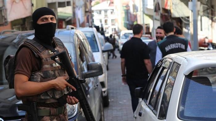 İstanbulda növbəti İŞİD əməliyyatı - 34 əcnəbi saxlanıldı
