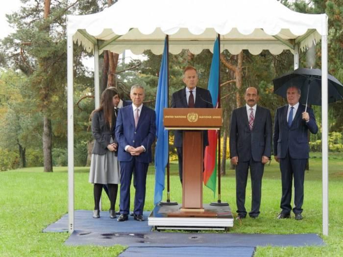 Dévoilement de la sculpture offerte par l'Azerbaïdjan à l'Office de l'ONU à Genève - PHOTOS