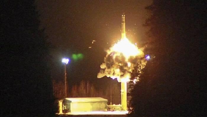 Putin 4 ballistik raketi işə saldı
