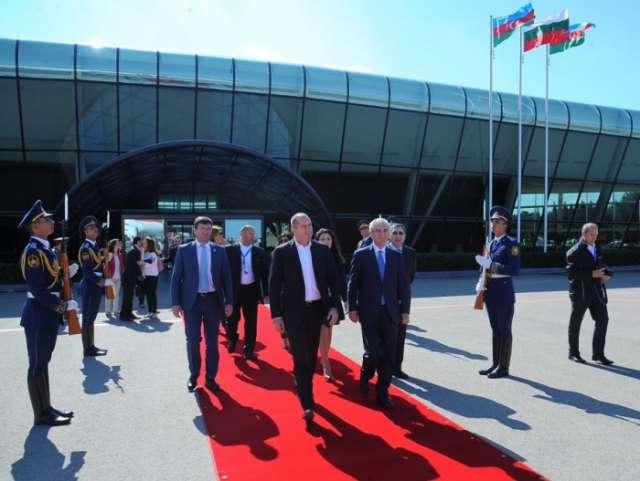 Bulgarian president ends visit to Azerbaijan
