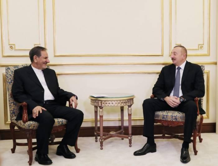 Staatspräsident Ilham Aliyev trifft sich mit Irans Vizepräsident Eshaq Jahangiri in Istanbul