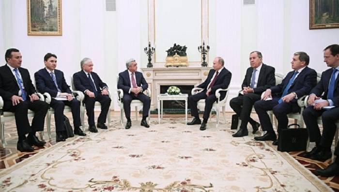 Sarkisyan Moskvada Putinlə görüşdü