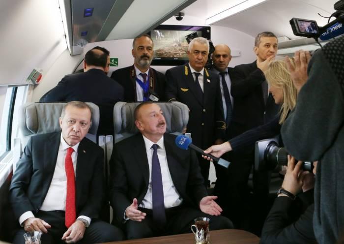 """İlham Əliyevin """"Euronews""""a müsahibəsi: """"Ən etibarlı yol budur"""" (VİDEO)"""