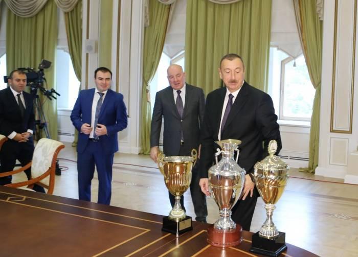 Prezidentin Avropa Çempionları ilə görüşündən VİDEO
