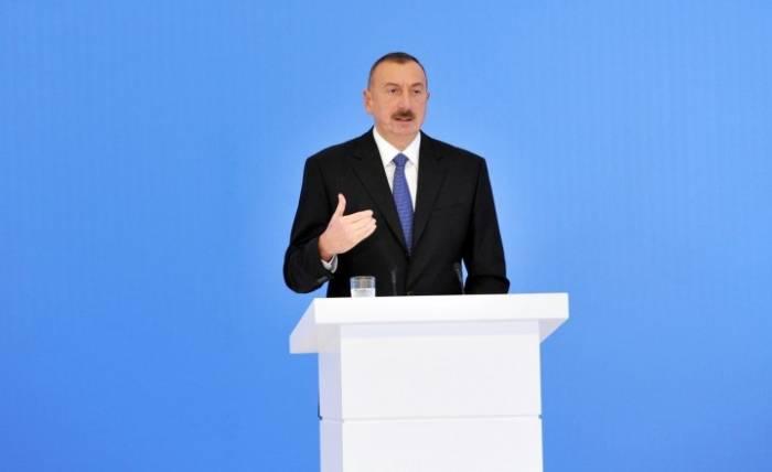 """""""Bizim iqtisadi siyasətimiz mükəmməldir"""" - İlham Əliyev"""
