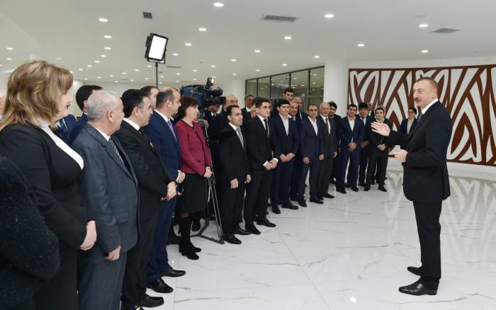Prezidentin idmançılarla görüşündən FOTOLAR