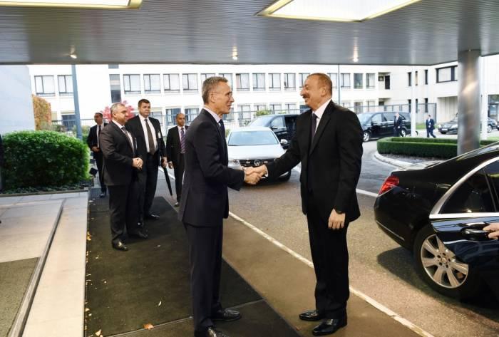 Ilham Aliyev trifft sich mit Nato-Generalsekretär Jens Stoltenberg