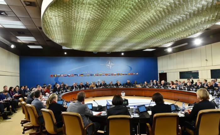 Ilham Aliyev nimmt an Sitzung von NATO-Nordatlantikrat teil